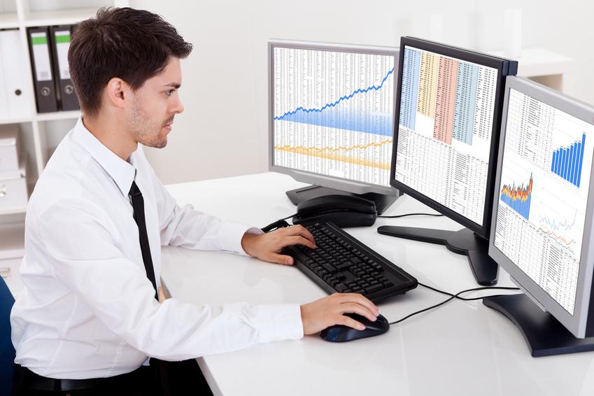 comment devenir analyste financier